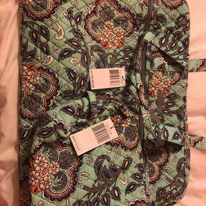 Vera Bradley bundle of bags.